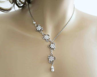 Bridesmaid Gift Necklace Silver Flower Necklace Wedding Jewelry for Bridesmaids Pearl Necklace Bridesmaid Jewelry Mother Sister Wife Crystal