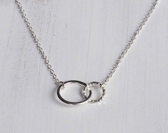Sterling Silver Eternity Circle Necklace - Silver Interlocking Necklace - Silver Circle Necklace - Valentines