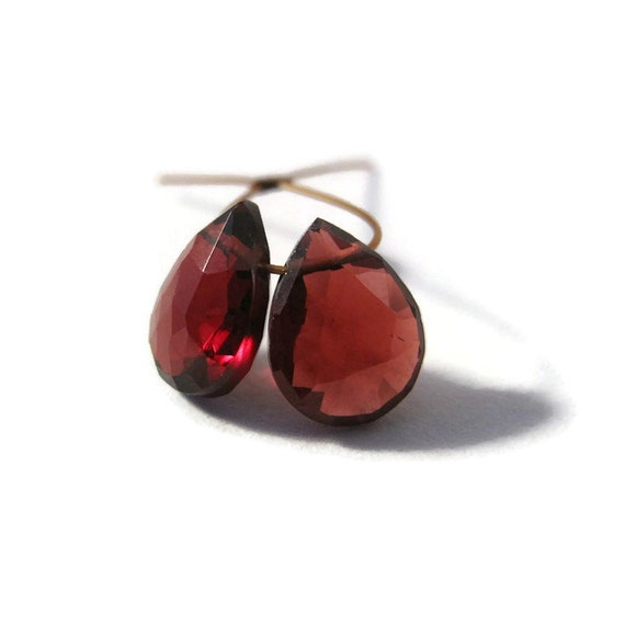 Two Garnet Teardrop Briolettes, 2 Faceted Garnet Matched Pair of Gemstones, 9mm x 7mm, January Birthstone (B-Ga8b)