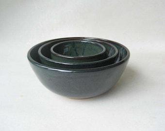 Pottery Nesting Bowls, Set of Bowls, Serving Bowls, Nesting Bowls made in Stoneware