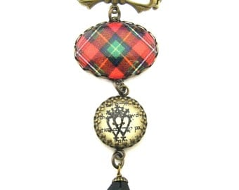 Scottish Tartan Jewelry - Ancient Romance Series - Boyd Clan Tartan Sweet Bow Brooch with Luckenbooth Charm and Onyx Black Czech