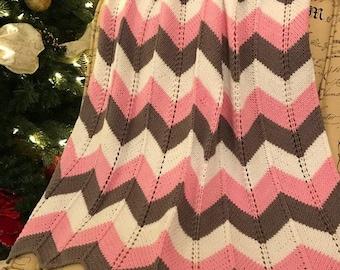 Chevron baby blanket / Knit Baby Blanket / Baby Blanket / Hand Knit Baby Blanket / Handknitted Blanket for baby Girl