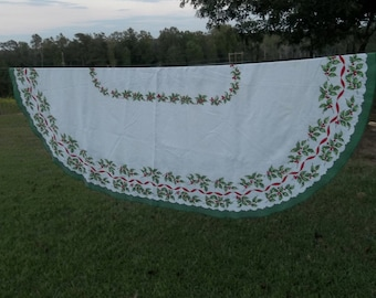 Vintage Christmas Tablecloth Holiday Tablecloth Oval Tablecloth Christmas Decorations Christmad Table Cloth Christmas Decor 78 x 58 OVAL