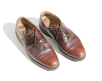 Vintage Men's Brown Leather Oxford Shoes / Punched Hole Leather Shoes / size 8