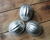 English Pudding Molds, Tin Pudding Molds, English Tins, Instant Collection, British Baking Show, Rustic Kitchen, Tin Molds, Vintage Kitchen