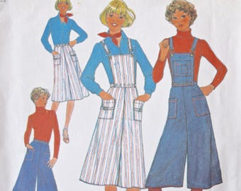 "1970's Simplicity 7890 Vintage Sewing Pattern Skirt and Pantskirt Culotte with Detachable Bib Overalls Two Sizes Waist 23"" and 24"""