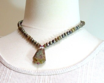 Green Garnet Druzy Pendant on Pearl Choker Necklace