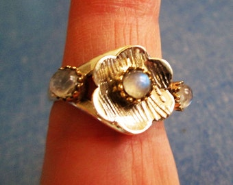 RING -  TRIPLE - MOONSTONE - Two tone - Flower -  925 - Sterling Silver  - size 8   Moonstone400