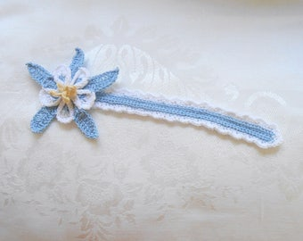 Columbine flower bookmark, blue and white thread crochet bookmark, bookworm gift, mothers day gift