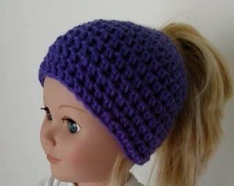 Messy bun hat for your doll  -  18 inch doll hat  -  Doll ponytail beanie  -  Hand crocheted doll hat