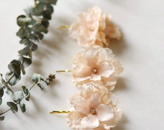 Wedding flower hair pins, bridal bobby pins, floral hair clip set, cream flower clip, champagne wedding clips, shabby chic hair accessories