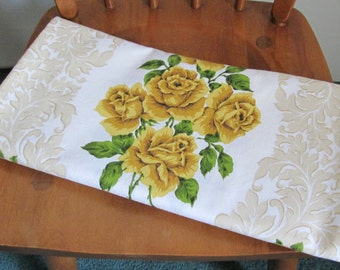 """Vintage Linen Tablecloth Yellow Rose Print 1960's Rectangle 51"""" x 64"""""""