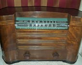RESERVED for Whit1960 G.E.1941 AM SW General Electric L-633 Ingraham Walnut Cabinet Table Top Radio