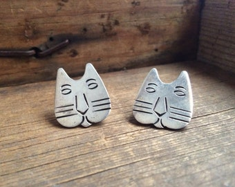 Vintage Taxco sterling silver cat earrings, Mexican modernist cat post earrings, Taxco earrings, Mexican silver jewelry, gift for cat lover