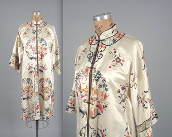 1920s embroidered silk robe • vintage 20s robe • evening house coat