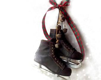 Vintage Jack Riley Ice Skates. Signature Olympic Series. Vintage 60s Hockey Skates.  Size 6 BOYS. Christmas Lodge Cabin Farmhouse Decor !