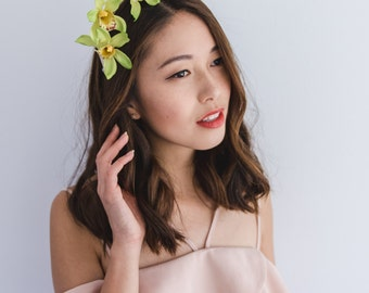 orchid flower fascinator / Cymbidium // spring racing flower crown headband fascinator, statement floral headpiece, melbourne cup, oaks day