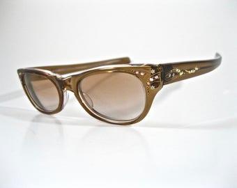 Vintage brown cat eye glasses with rhinestones. Ornate 1950s eyeglass frames L'Evrard Frame France. Size 46-20.