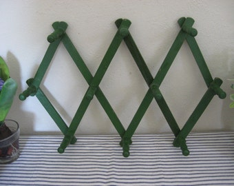 Green Wooden Accordion Peg Rack Farmhouse Style! LoVe the Color!!