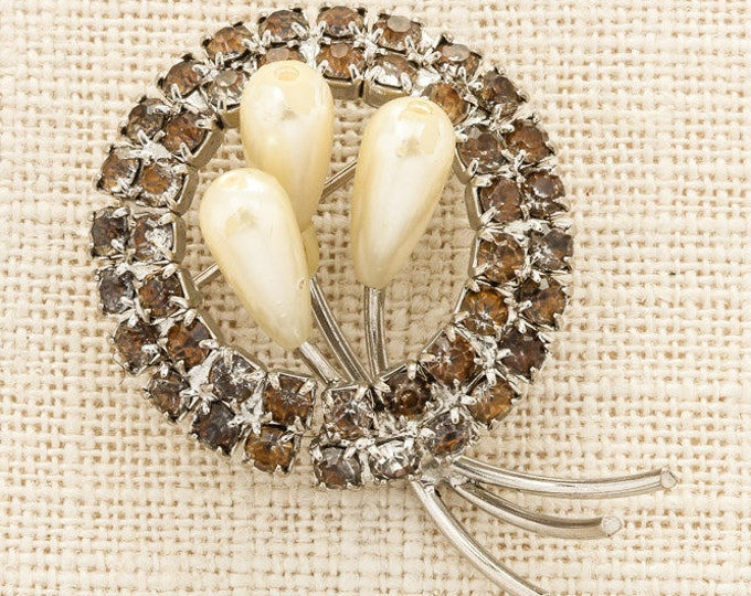 Silver Pearl and Rhinestone Brooch Vintage Amber Round Broach Costume Jewelry | Vtg Pin 16C
