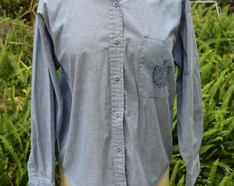 Preppy Chambray Oxford Shirt 1980s Cotton Button up Shirt Grunge Gitano Medium Embroidered Pocket 1990s