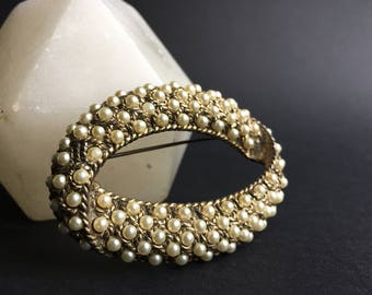 Vintage 1960s Gold Plated Metal and Faux Pearl Oval Brooch