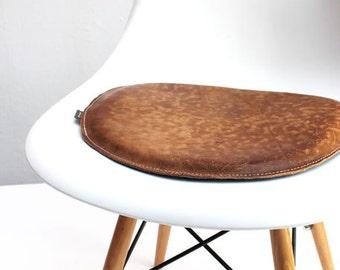 Awesome Perfect Leder Sitzkissen Fr Den Vitra Stuhl With Eames Chair  Sitzkissen With Sitzkissen Rund Leder With Eames Stuhl Mit Kissen