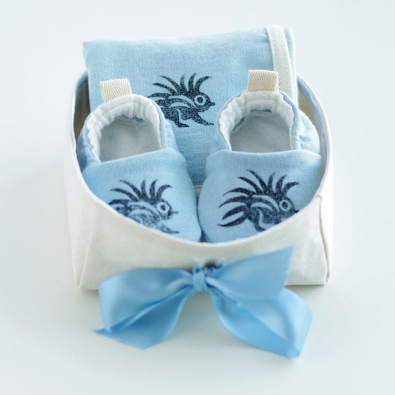 Baby Gift Basket Etsy : Organic baby gift basket for boys with blue booties and
