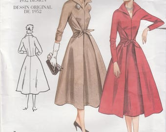 1950s Style Dress Pattern Vogue Re-Issue 2401 Sizes 12 - 16 Uncut
