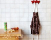 ONE Hanging apron  for your dollhouse