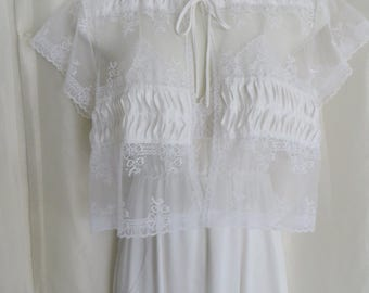 Vintage womens lingerie, 70s pegnoir set, white lace bridal honeymoon nightgown set, wedding shower gift