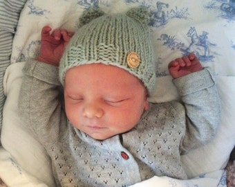Bear Hat Knitted Newborn Baby, Bonnet with ears, unique babyshower gift or newborn photo prop!