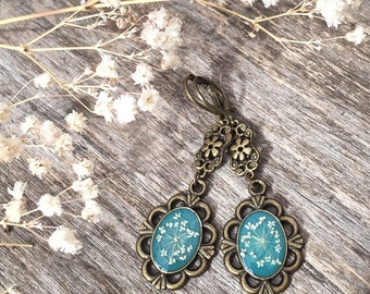 Real Flower jewelry, teal earrings, Antiqued bronze, vintage inspired, dangle earrings with pressed flower, botanical earrings, cool gift