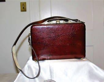 SALE! Vintage Exceptional Hard Case Burgundy Patent Leather Lined Handbag Shoulder Purse LC