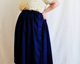 Plus Size - Vintage Navy Pleated Side Button Skirt (Size 20T)