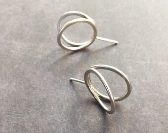 Stud circle silver earrings - open ring earrings -minimalist circle earrings - contemporary jewellery -3D circle earrings