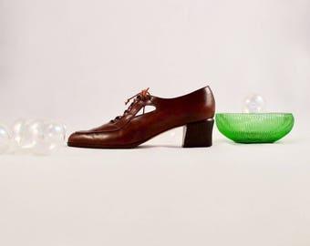 novel idea 80s brown leather lace up / 10 - 42 / 10.5 - 43 / cutout oxford / low heel / brown leather lace up / brown low heel / spectator