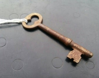 Skeleton Key // Antique Unique Collectible Genuine Vintage #011