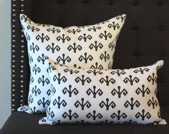 Black and White pillow cover, White with black fleur de lis pattern pillow cover, flower de luce pattern
