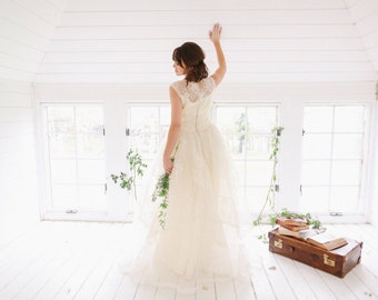 1950's Lace Vintage Wedding Dress | Modern | Hipster | Timeless | Bride