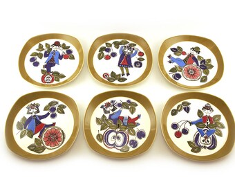 Six 1960s Figgjo Flint Plates by Turi Design,  Corsica pattern Range, Made in Norway, handpainted silkscreen. Retro homeware, scandinavian