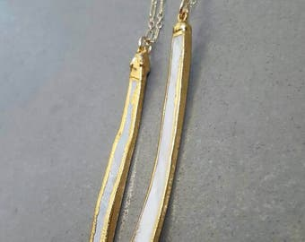 Long mother of pearl necklace