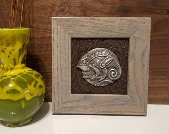 Unique Sculpted and Framed Animal Dials (Chameleon)