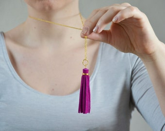 Fuchsia tassel necklace, pink suede tassel, boho necklace, long necklace, indie jewelry, leather tassel necklace, long pendant, hippie boho