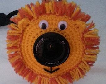 Lion lens buddy. Shutter buddy. 50-85mm Lens Diameter. Child. Baby.