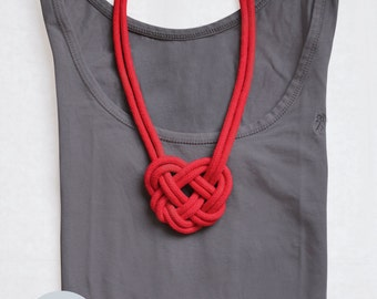Statement chain nodes heart / knotted statement necklace heart