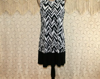 Sleeveless Summer Dress Black and White Chevron Knit Dress Large Casual Dress Midi Loose Fit Dress Vintage Clothing Womens Clothing