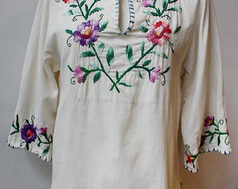Mexican 3/4 Sleeve Embroidered Floral Tunic, Size Medium/Large