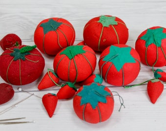 Vintage Assorted Lot of Red Tomato and Strawberry Shaped Pincushions/Emeries, Vintage Needle Emery, Vintage Sewing Notions