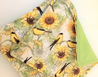 Set of 2 Goldfinch and Sunflower Potholders, Sage Green Pot Holders, Wildlife Decor, Kitchen Decor, Goldfinch Hot Pads, Fabric Pot Holders
